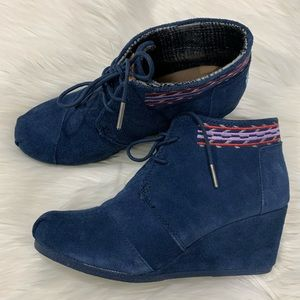 Toms Desert Wedge Blue suede with Tribal Print 9W